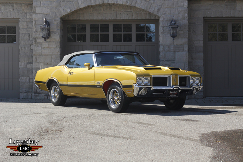 Photo of 1971 Oldsmobile 442 W30 Convertible 4 Speed